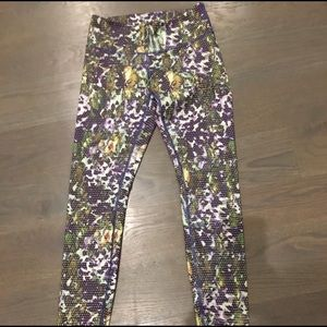 Lululemon leggings. Floral print. size 4.